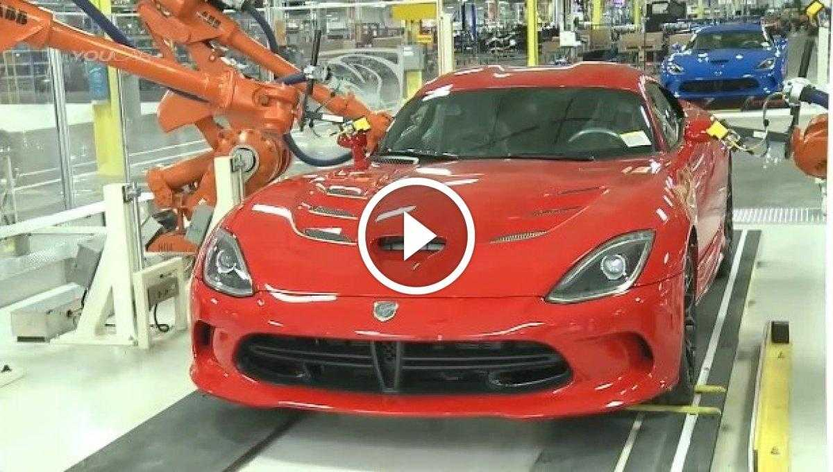 2016 Dodge Viper Üretimi [Video]
