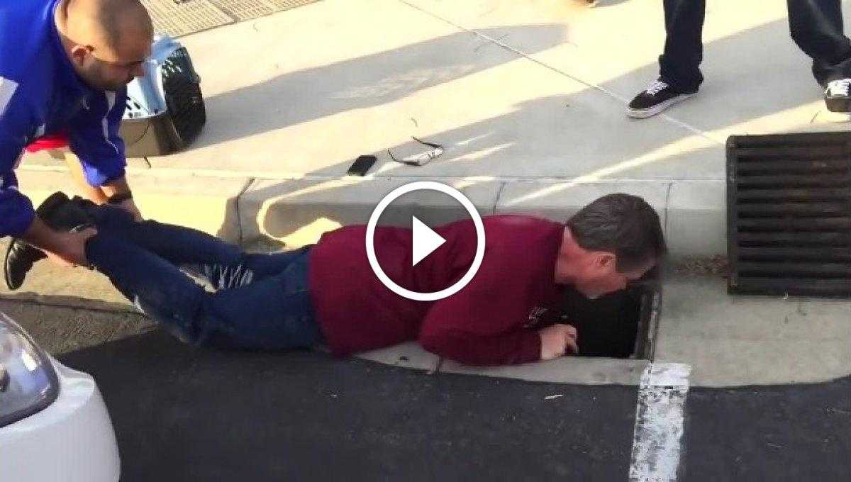 Kitten Trapped in Storm Drain Rescued after 33 Hours! [Video]