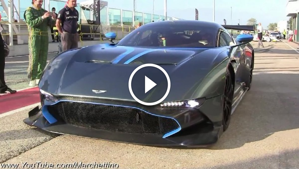 V12 Motorlu Aston Martin Vulcan [Video]
