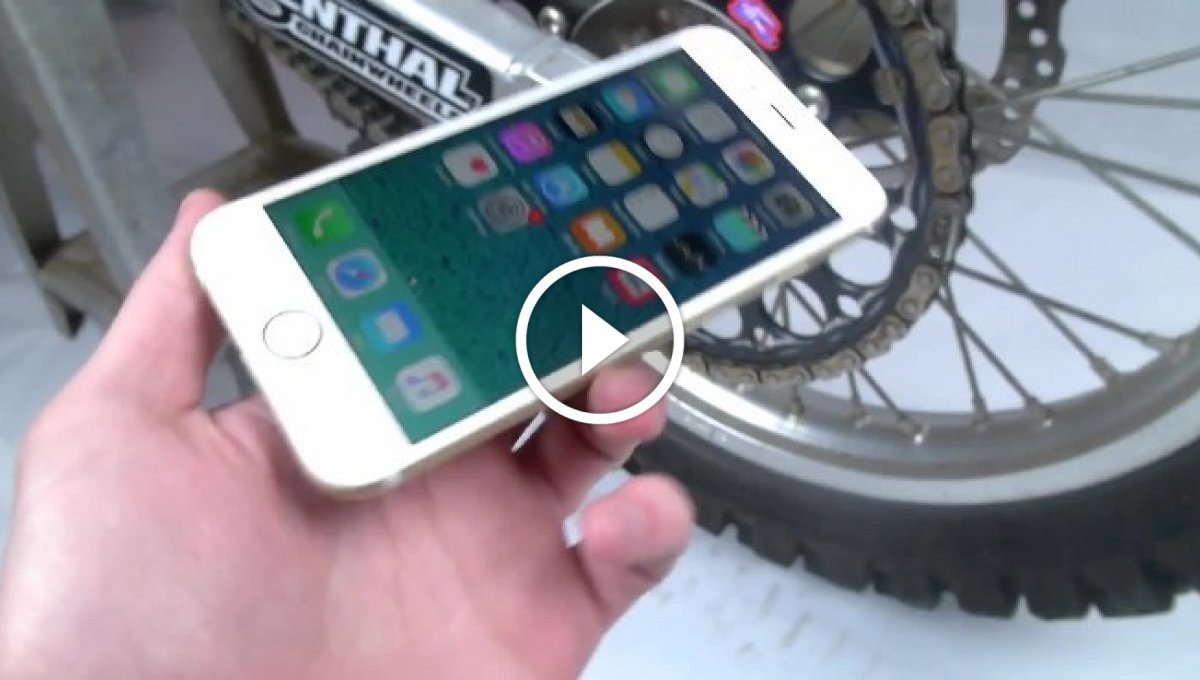 iPhone 6S Motosiklete Sıkışırsa [Video]